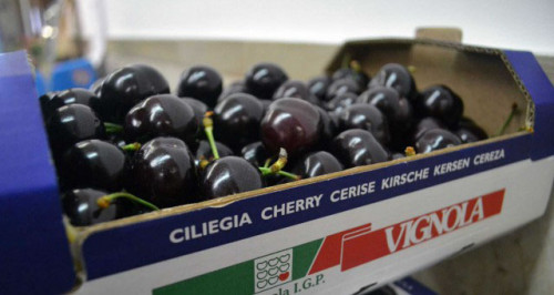 Cherries packaging, HP PageWide True Water-Based Inks receive a 2019 InterTech Technology Award