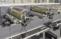 The FA-6*'s sleeve system allows for an extra-short web path, easy tooling loading and the Nilpeter CLEANINKING system.