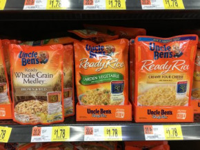 Ideal for noodle and rice mixes, retail ready packaging offers structure for pouches to stand on shelf.