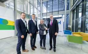 From left, Heidelberg Head of R&D Frank Kropp, Board Member for Equipment Stephan Plenz, Baden-Württemberg Science Minister Theresia Bauer and Heidelberg CEO Rainer Hundsdörfer, launch the new Heidelberg development center project at the company's Wiesloch-Walldorf location.
